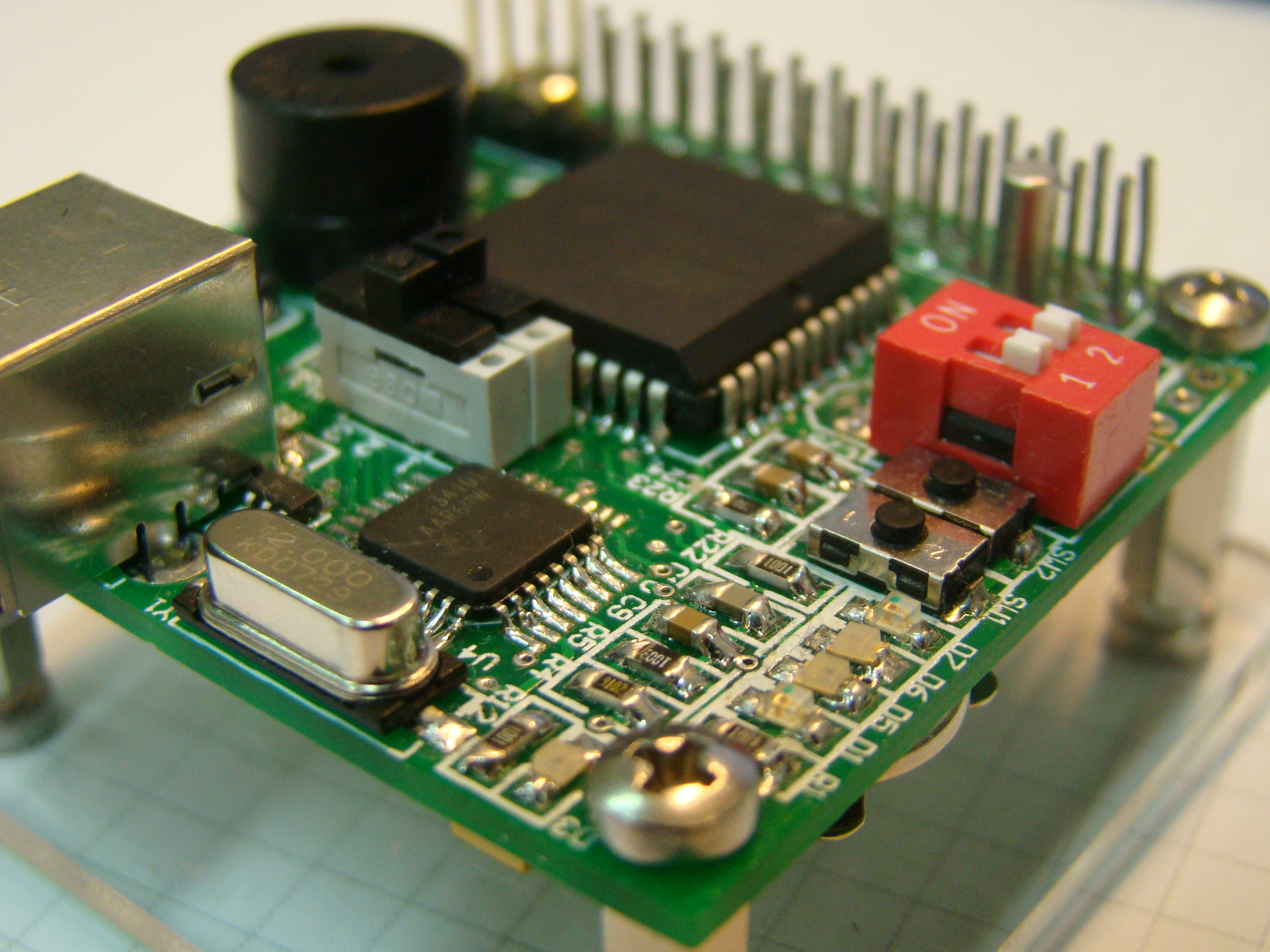 Dseta Board A Cpu Based On The Atmel At89c51re2 Usb To Serial Port Controller Tusb3410 Integrated Circuit Components Microcontroller